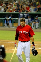 Middlebrooks back to the dugout