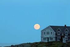 Full Moon Rising'