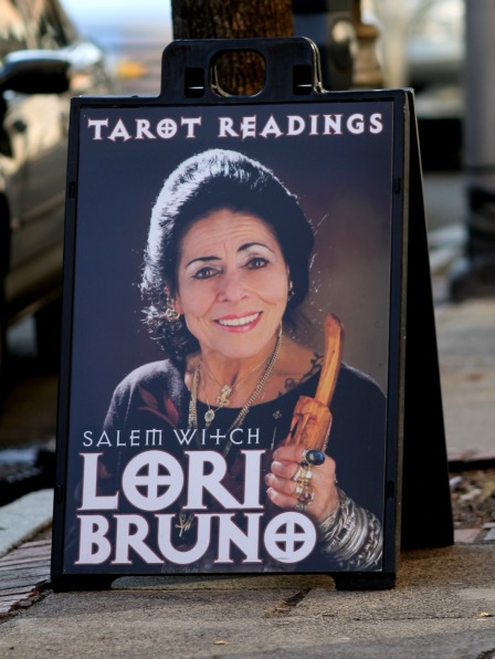 Tarot Readings Sign-Salem