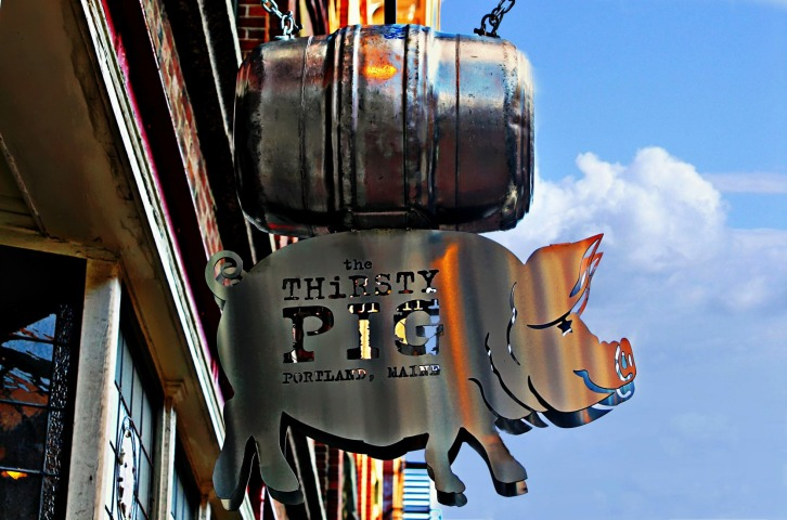 The Thirsty Pig Sign-1A-hdri
