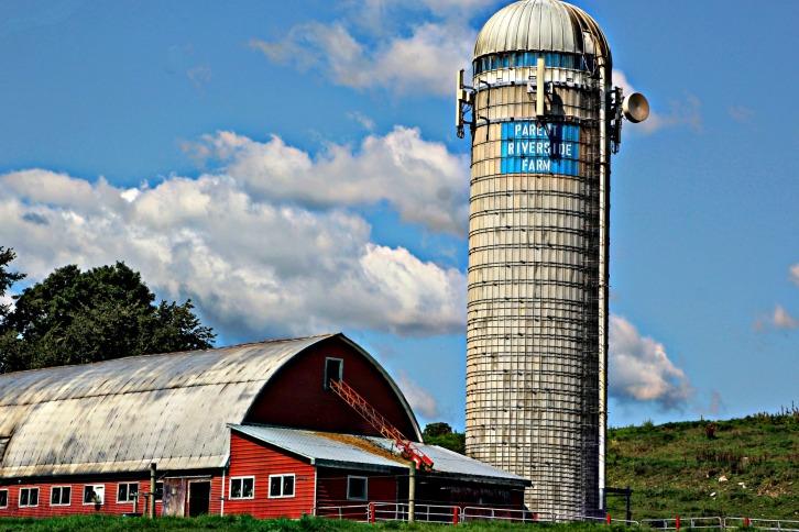 Parent Riverside Farm-1-sky & hdr